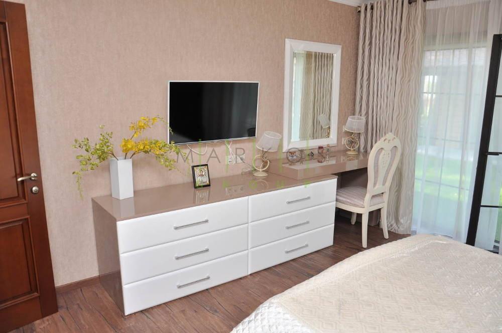 мебель с дерева в современном стиле изготовленная для спальни