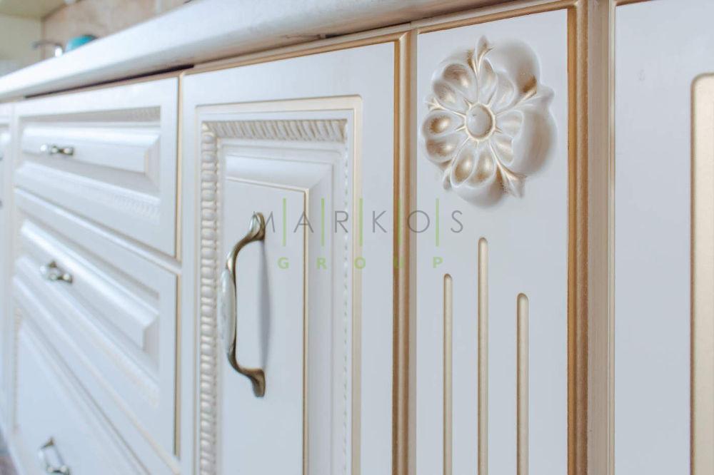 дизайн мебели белой кухни
