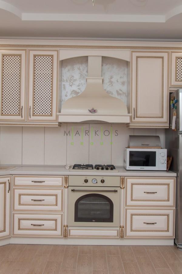 светлая мебельдля кухни изготовленная на заказ в Черкассах по индивидуальному дизайну