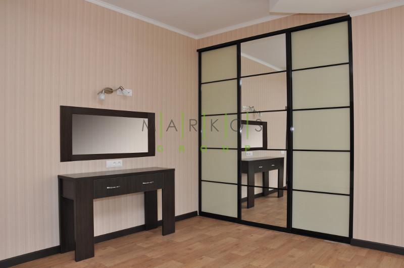 корпусная мебель для кабинета изготовленная по индивидуальному дизайну на заказ