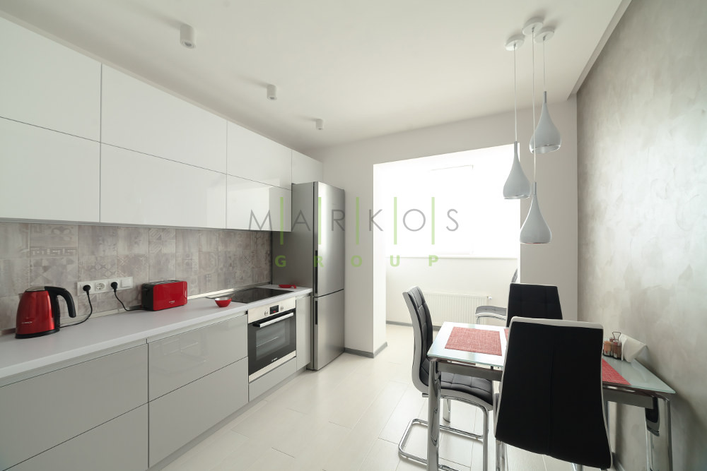 мебели на заказ для современной светлой кухни от Маркос фото